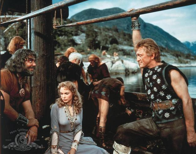 That's Ernest Borgnine on the left, playing the 1958 version of Ragnar. Janet Leigh gets to play an ornament . . . oops, sorry, a princess. She does not kick ass.
